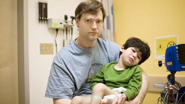 Konieczna rehabilitacja ruchowa dzieci z porażeniem mózgowym nie musi wiązać się z cierpieniem. Wystarczy pompa i właściwe dawkowanie leków. Kiedy refundacja?
