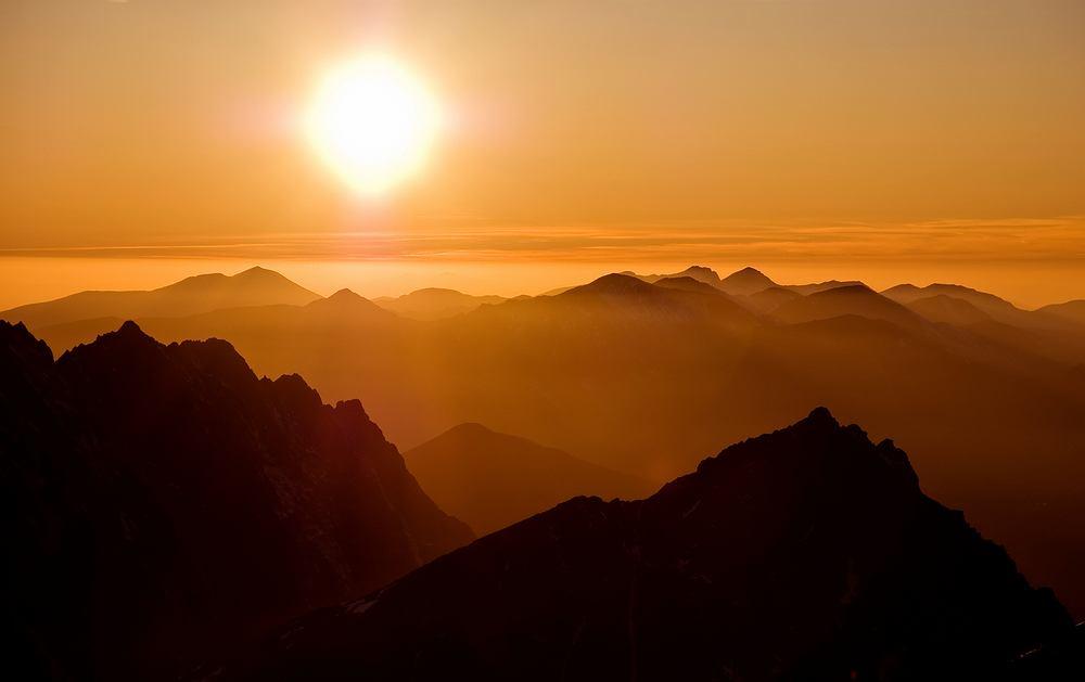 Za Fotografowanie Wschodu I Zachodu Słońca W Tatrach Możesz