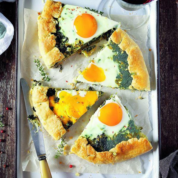 Galette ze szpinakiem i jajkiem sadzonym