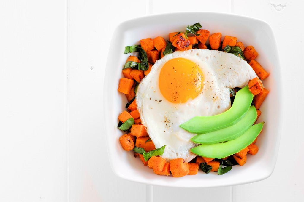 Jedz poniżej kcal by schudnąć
