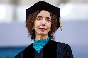 Joyce Carol Oates: Właściwie nie mam osobowości. Przyglądam się światu zewnętrznemu i działam jak medium