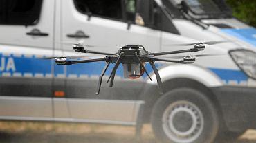 Drony będą patrolować polskie ulice. Sprawdzą, czy stosujemy się do nakazu pozostania w domu