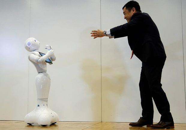 Roboty pracują w szpitalnych recepcjach