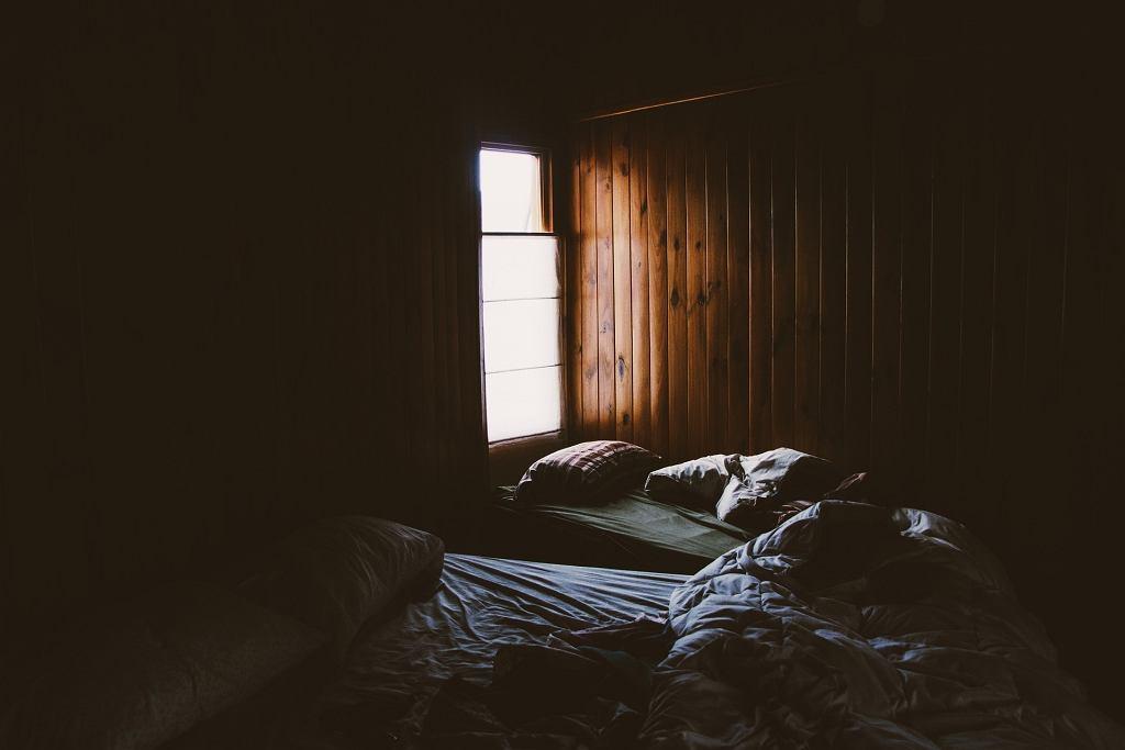 Łóżko - zdjęcie ilustracyjne