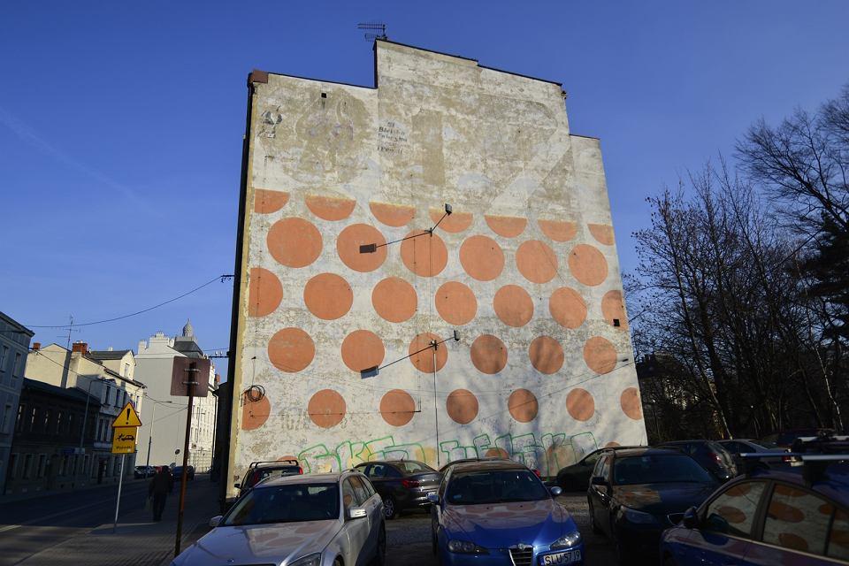 Bielskie murale z czasów PRL-u znikają z przestrzeni miasta