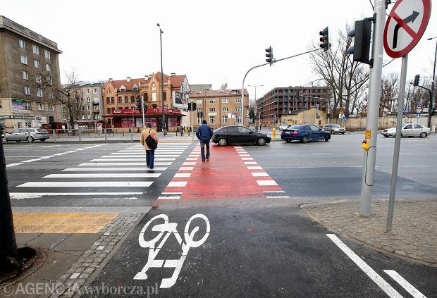 Nowy przejazd ścieżek rowerowych przez Aleję Solidarności