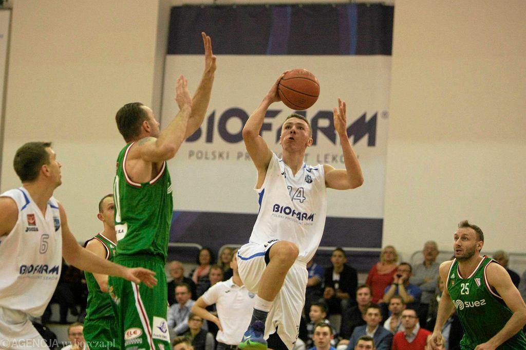 Biofarm Basket Poznań - Legia Warszawa 44:75 w I lidze koszykarzy