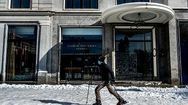 Hiszpania. Madryt został zasypany przez śnieg. Zamknięto szkoły i sądy