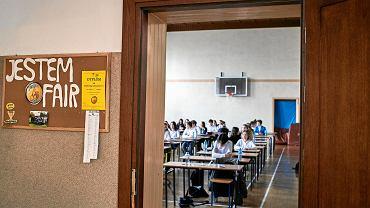 Egzamin gimnazjalny w czasie strajku nauczycieli. Gimnazjum nr 1 im. Bolesława Chrobrego w Łodzi