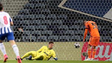 Kto stał w bramce Juventusu w meczu LM z Porto?
