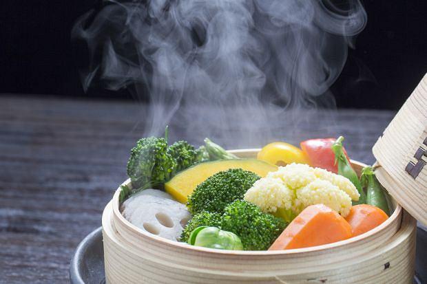 Gotowanie na parze - smaczne i zdrowe. Jak to się robi?