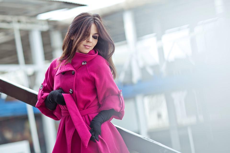 Kolor różowy - z czym łączyć i jak nosić