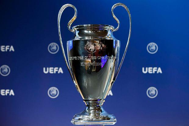Liga Mistrzów UEFA. Typy bukmacherów, drużyny, grupy [TAŚMA TYGODNIA]