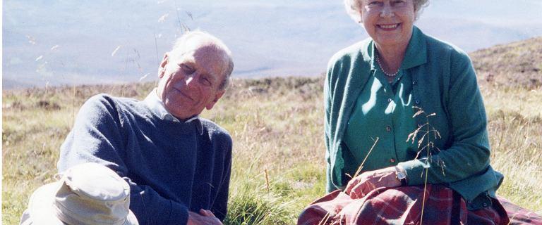 Królowa Elżbieta II pokazała jedno z ulubionych zdjęć z księciem Filipem