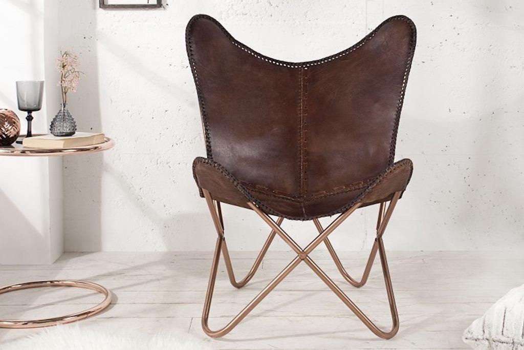 Skórzany fotel Butterfly to lekka konstrukcja i wygodna forma o kształcie motyla.