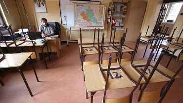 Podwyżki dla nauczycieli 2022. Broniarz: Negujemy i odrzucamy