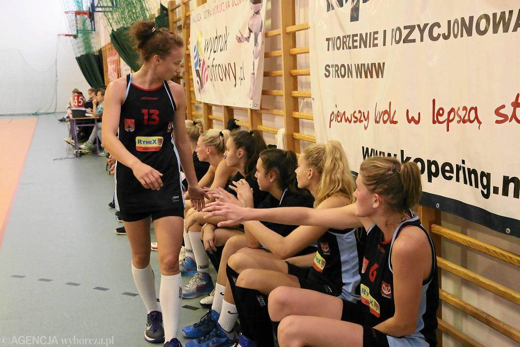 Ogólnopolski turniej koszykówki kobiet w Płocku Mecz Mon-Polu