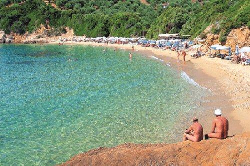 Grecja. Plaża nudustów Little Banana Beach, Skiathos / źródło: victoriaskiathos.com