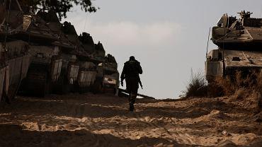 Po 11 dniach ostrzału rakietowego Izraela przez Hamas i bombardowania Gazy przez Izraelczyków obie strony ogłosiły rozejm.