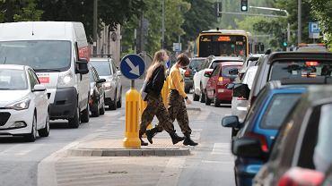Nowy kodeks drogowy od 1 czerwca 2021. Duże zmiany dla kierowców i pieszych