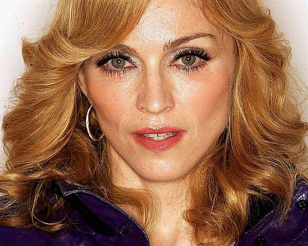 Szacuje się, że do dziś Madonna sprzedała około 300 milionów nagrań