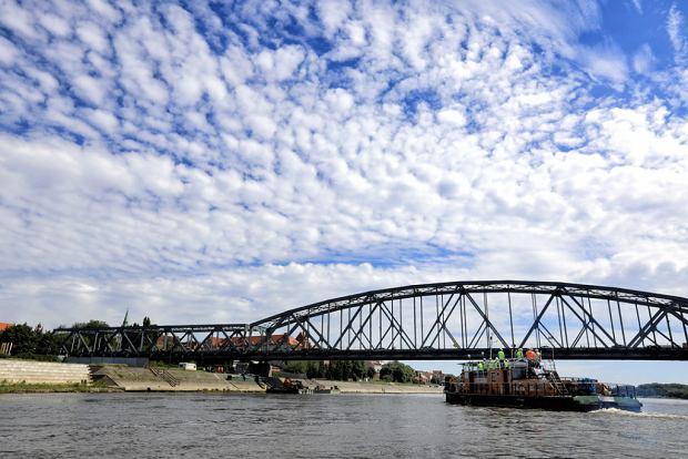 Zdjęcie numer 21 w galerii - Dziennikarze sprawdzali, jak przebiega rozbudowa starego mostu za 123 mln zł [GALERIA]