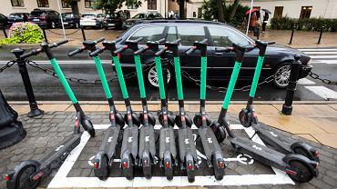 Lublin. Wyznaczone miejsce parkingowe dla hulajnóg elektrycznych