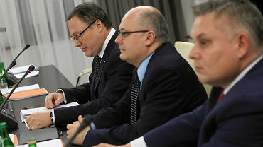 16.11.2018, Senat, posiedzenie senackiej Komisji Budżetu i Finansów. Na zdjęciu od lewej: przewodniczący komisji Grzegorz Bierecki, senator Krzysztof Mróz.