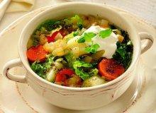 Lekka zupa z kapustą włoską - ugotuj