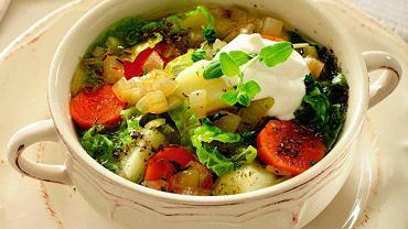 Lekka zupa z kapustą włoską