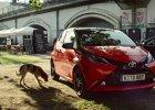 Wideo | Toyota Aygo siusia na...
