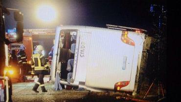 Wypadek polskiego autokaru na obwodnicy Berlina w okolicy miejscowości Niederlehme
