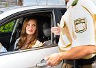Mandaty za granicą. Co nam grozi, gdy zatrzyma nas drogówka, i czy uda się uniknąć płacenia za wakacyjne szaleństwa na drodze?