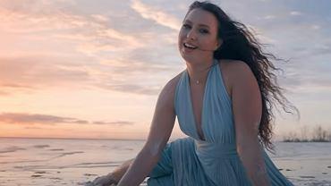 Teledysk do piosenki 'Raj mi da'