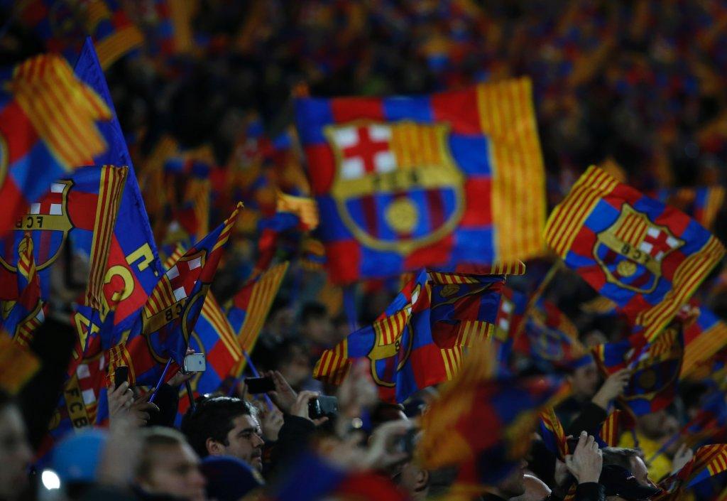 Kibice Barcelony podczas meczu. Już mogą oczekiwać na ćwierćfinały