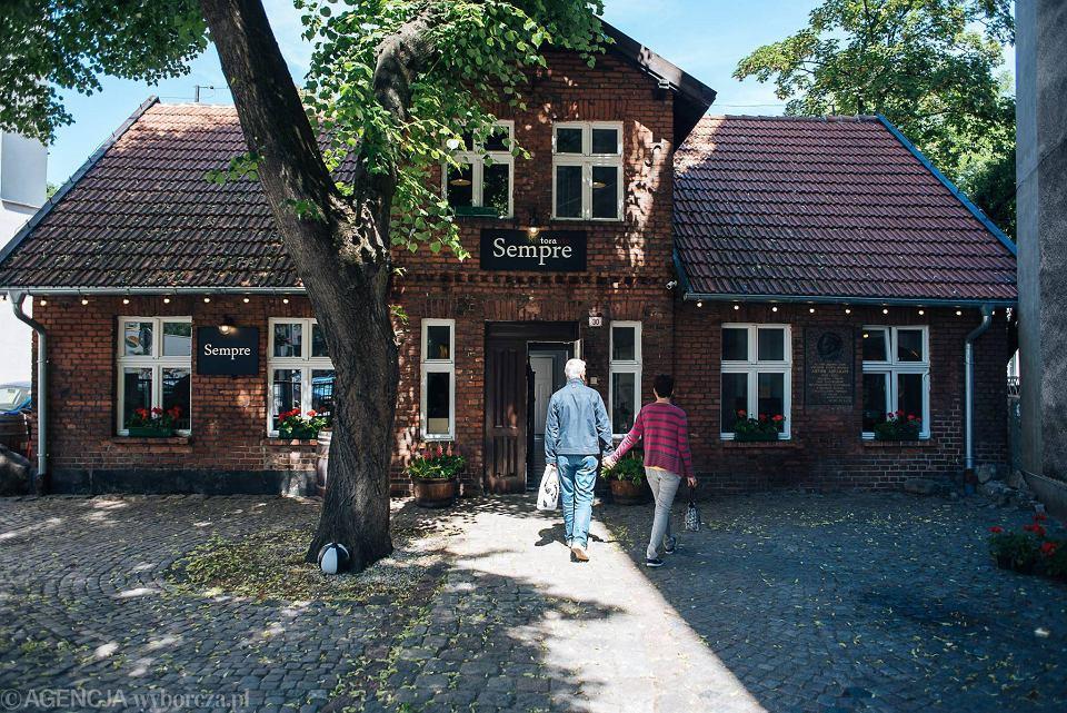 W Zabytkowym Domku Abrahama W Gdyni Otwarto Restaurację