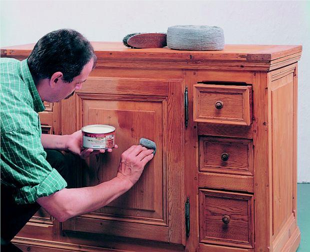 Renowacja mebli za pomocą wosku