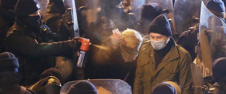 Duda o działaniach policji na protestach: Nikt nie zginął [KOMENTARZE]