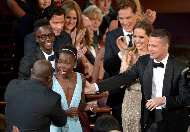 Lupita Nyong'o przyjmuje gratulacje