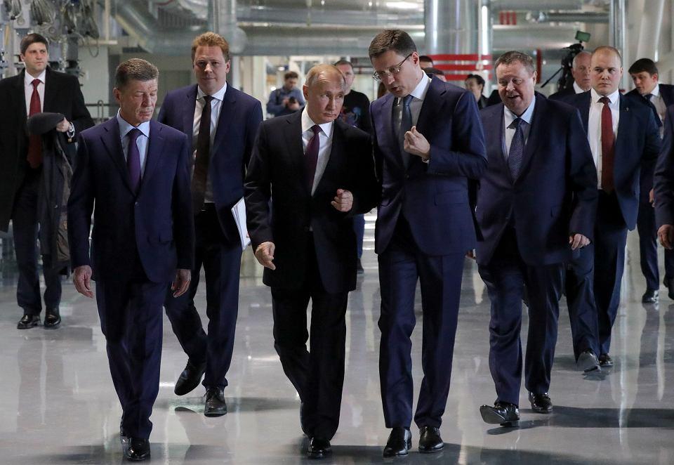 Władimir Putin podczas wizytacji nowej fabryki na Krymie w piątą rocznicę aneksji. Sewastopol, 18 marca 2019 r.