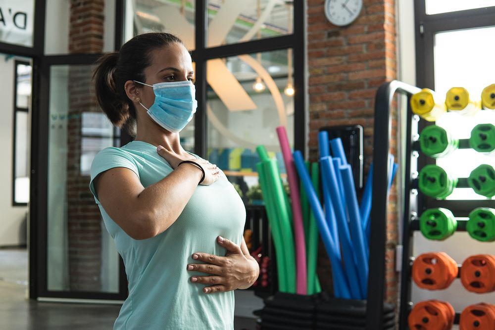 Ćwiczenia oddechowe. Zdjęcie ilustracyjne