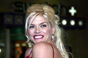 """Jak dziś wygląda córka zmarłej tragicznie modelki """"Playboya"""" Anny Nicole Smith? Jest równie piękna jak mama"""