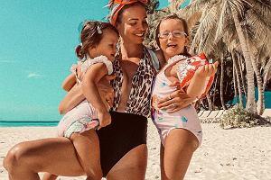 Anna Wendzikowska pozuje w bikini. Fanka: Taka figura po urodzeniu dwójki dzieci?