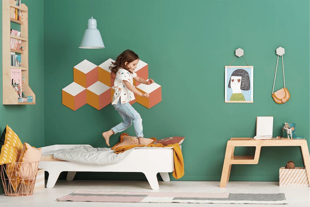 Wnętrze pokoju dziecięcego zaaranżowanego przez dekoratorów marki Nuki.