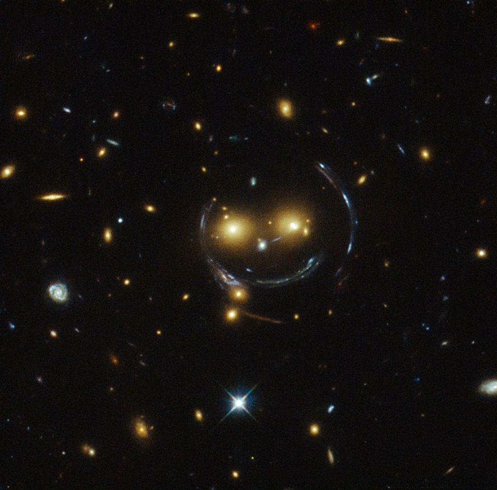 Uśmieczhnięta buźka na zdjęciu z Teleskopu Hubble'a
