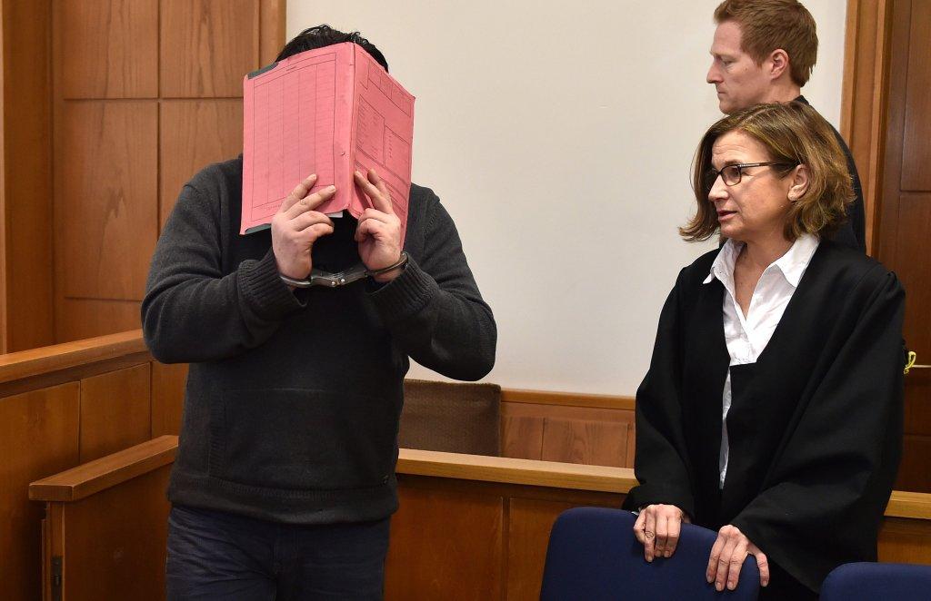 Niels H. podczas rozprawy ukrywał swoją twarz