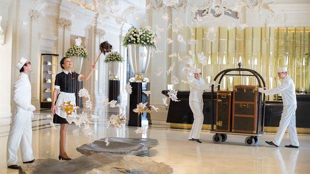 Obsługa luksusowego hotelu dba o każdy szczegół.