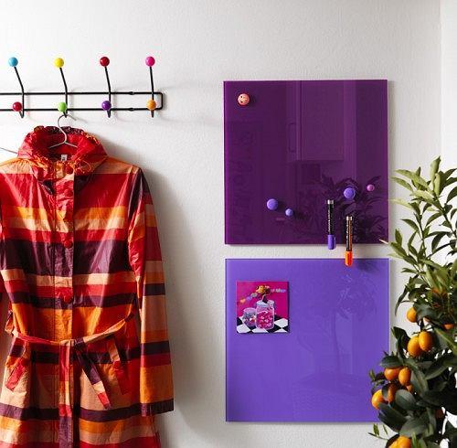 Tablice magnetyczne suchościeralne wyglądają jak obrazy abstrakcyjne. To dekoracyjne i praktyczne rozwiązanie