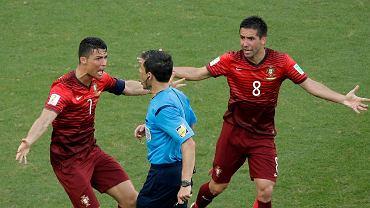 Cristiano Ronaldo i Joao Moutinho dyskutują z Miloradem Maziciem