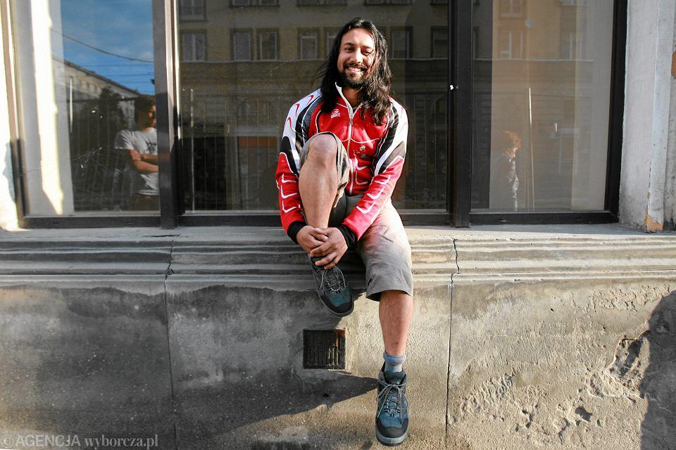 Somen Debnath po kradzieży roweru, Warszawa, 16 maja 2011 r.